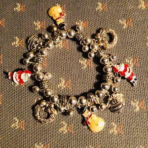 👀 BOGO 👀  Christmas Bracelet
